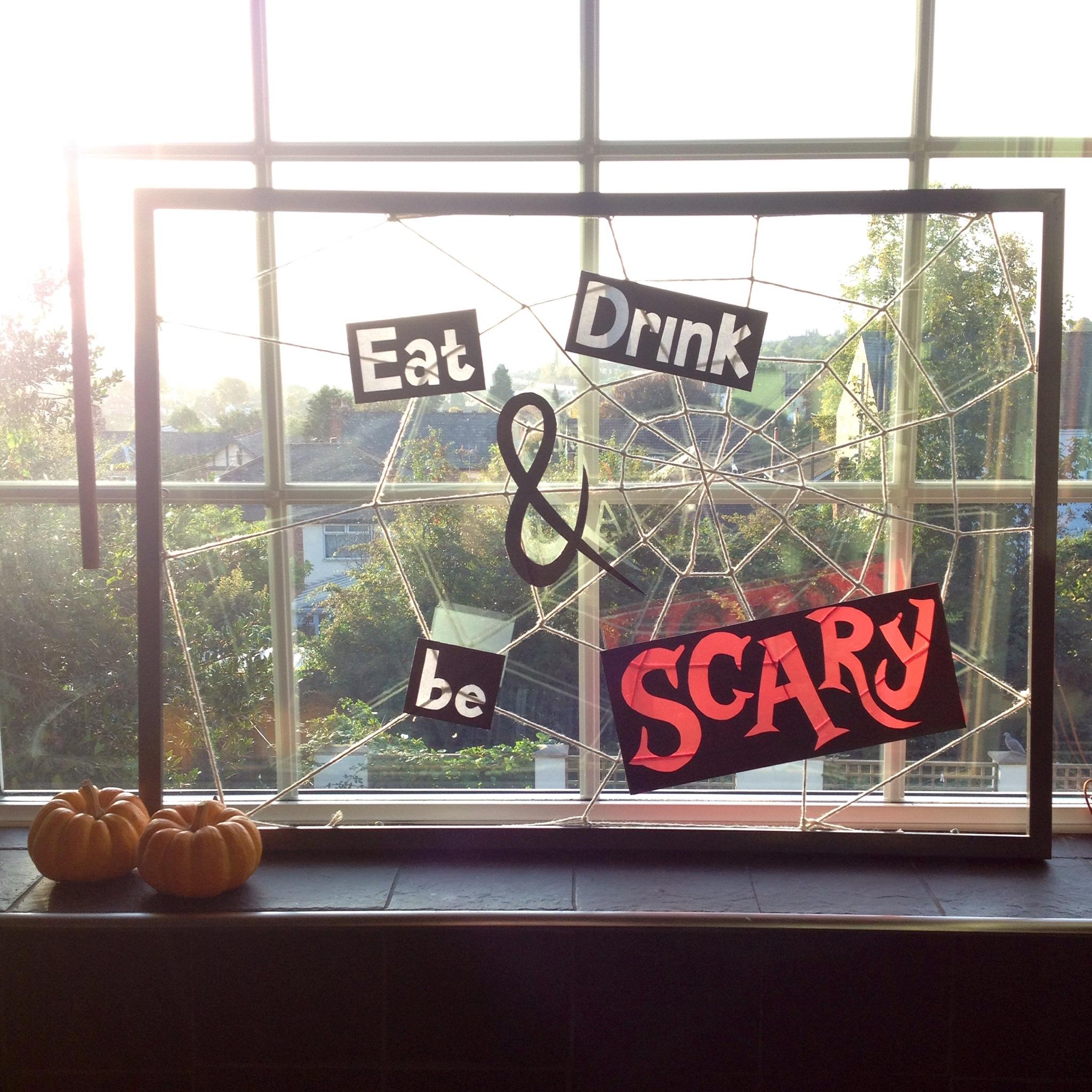 DIY Cobweb Frame - Halloween Party Decoration