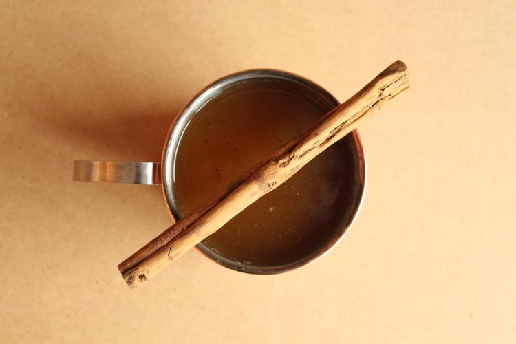Hot spiced tea cocktail