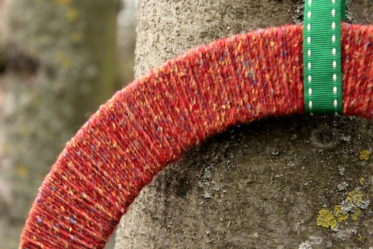 DIY Christmas tweed wreath