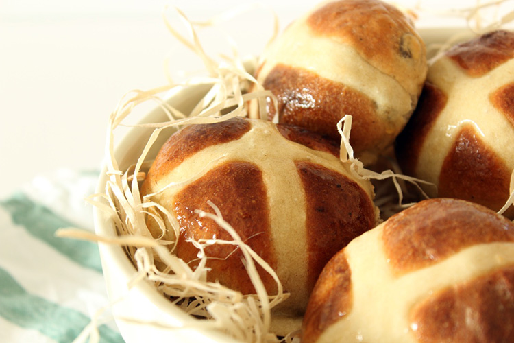 Hot cross buns recipe with a twist: chocolate cinnamon swirl, fudge and raisins
