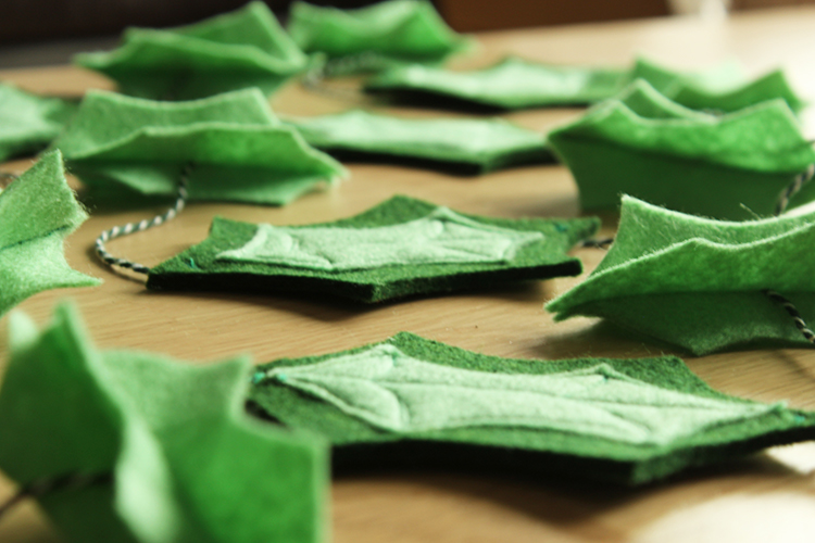 Felt Holly Leaf Garland Diy The Crafty Gentleman