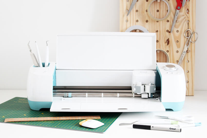 Cricut Explore air unboxing and first makes