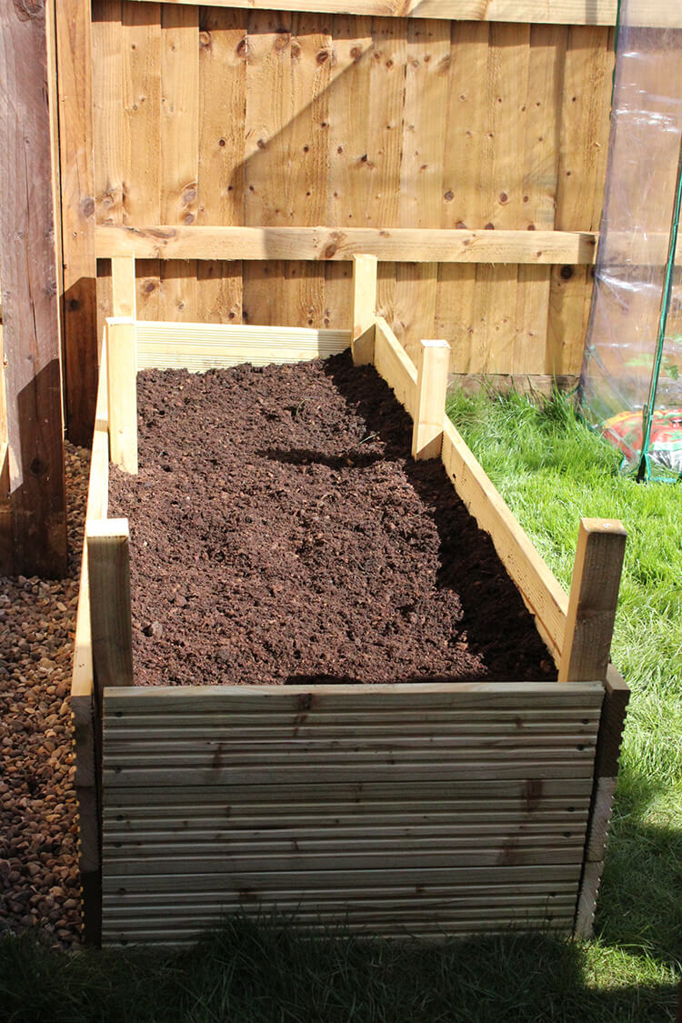 How to make DIY raised beds for gardening