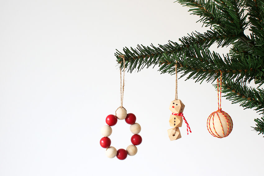easy diy christmas decorations with wooden beads - Christmas Decoration Video