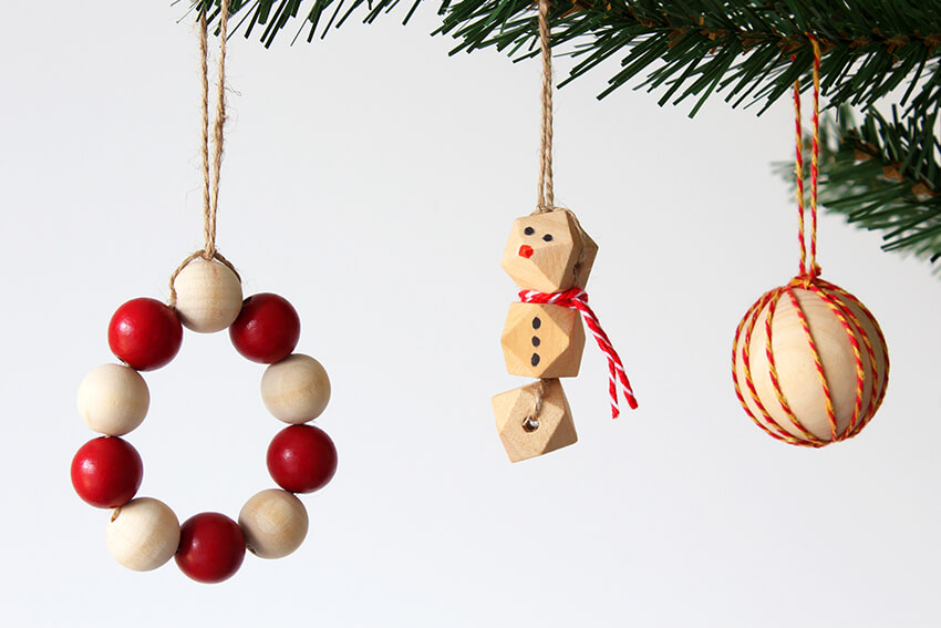 Easy Diy Christmas Decorations With Wooden Beads Christmas Crafts