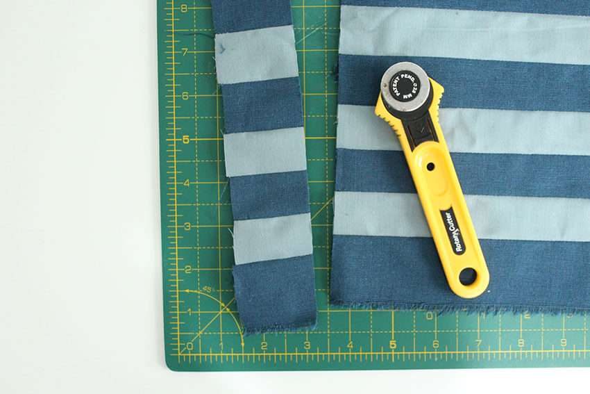 Make your own DIY Fabric Board Game tutorial steps