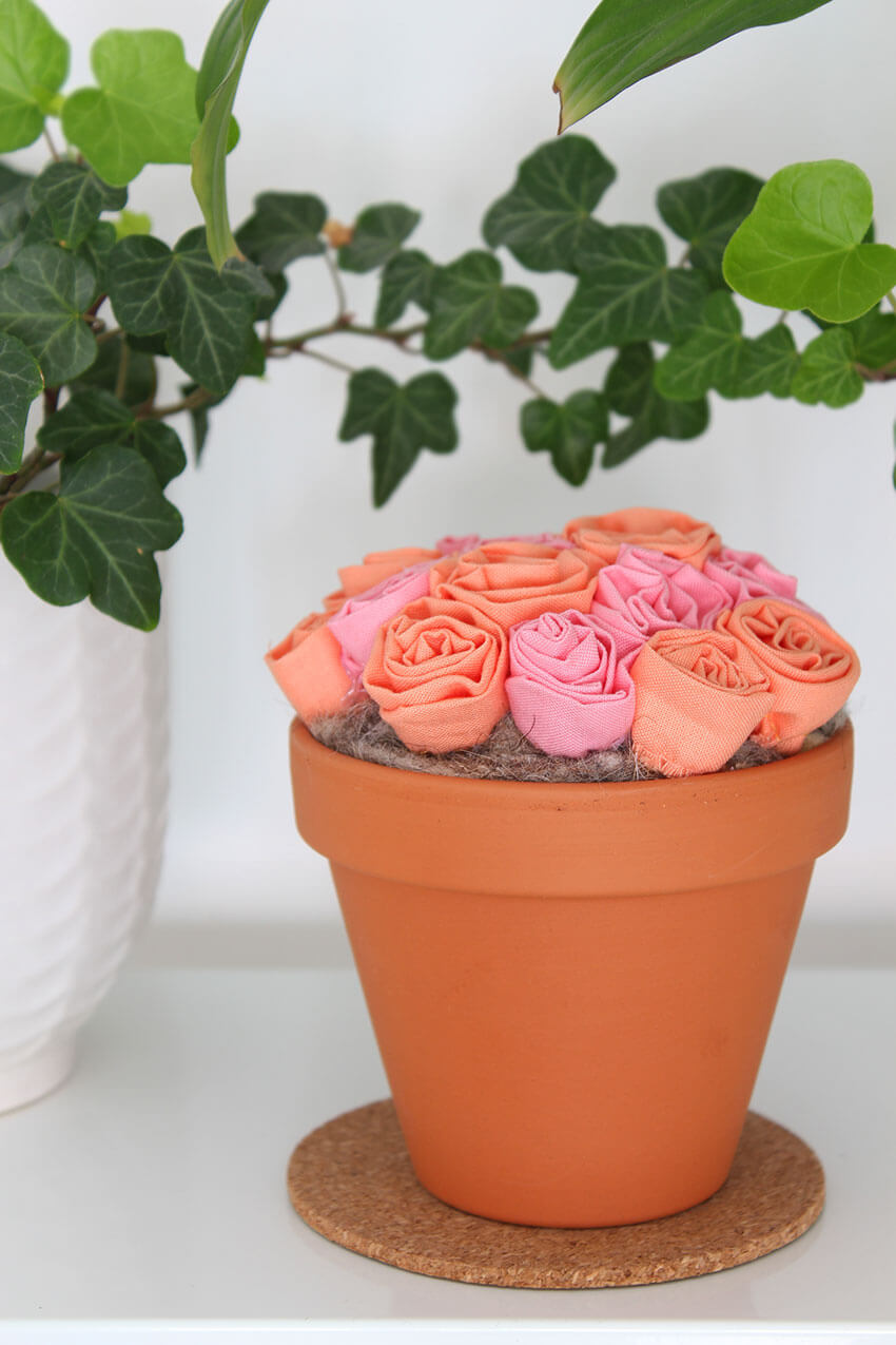 How to make DIY Fabric Flowers using the Cricut Maker - click through for full tutorial and step by step photos