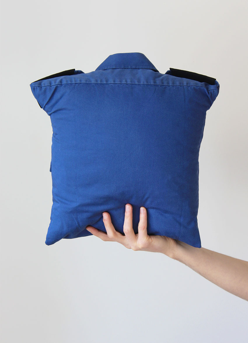Make a cushion from a shirt | Click through for full tutorial | DIY and Craft blog