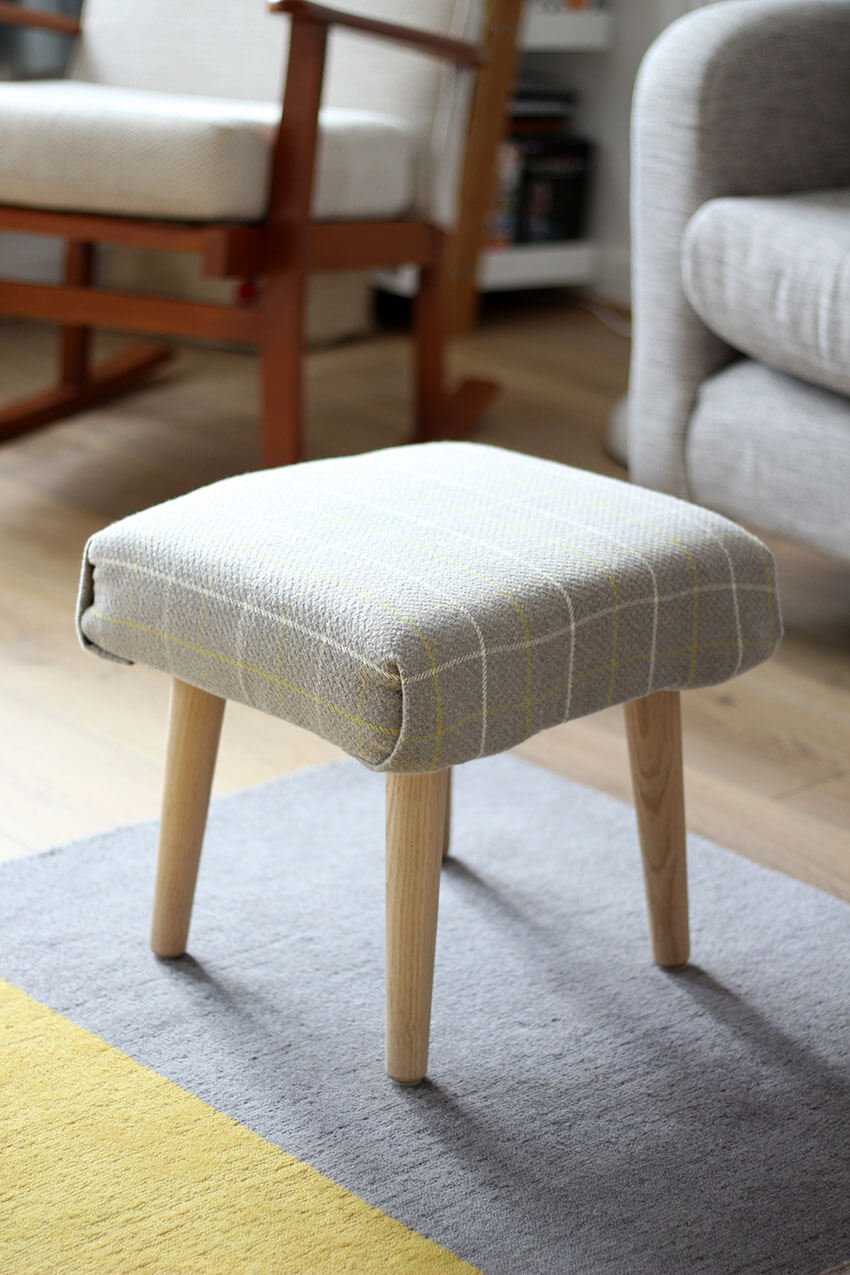 How to make a DIY footstool Click through for the full tutorial   DIY and Crafts blog