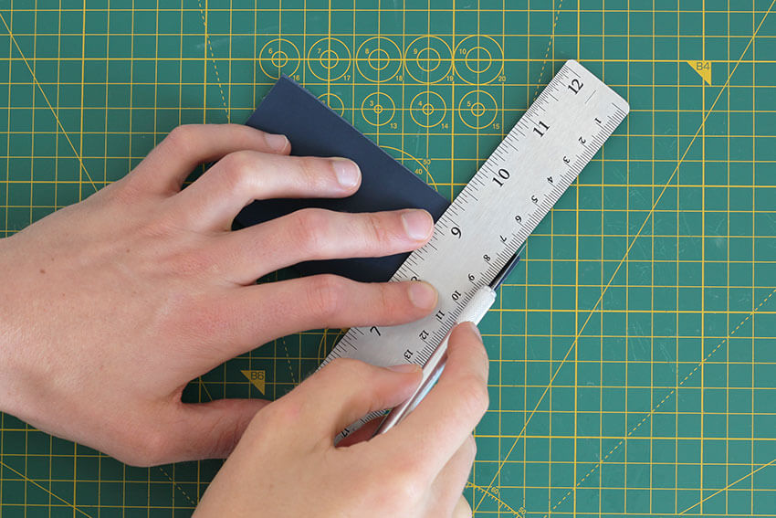 DIY Sewing Needle Wallet Tutorial | DIY and Craft blog for men and women