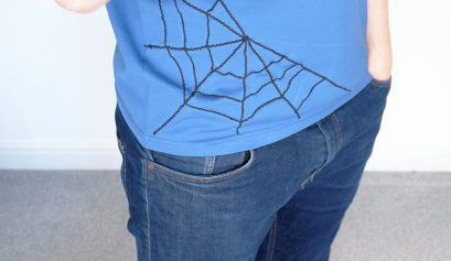 DIY spider web t-shirt | easy halloween costume for men | Click for more