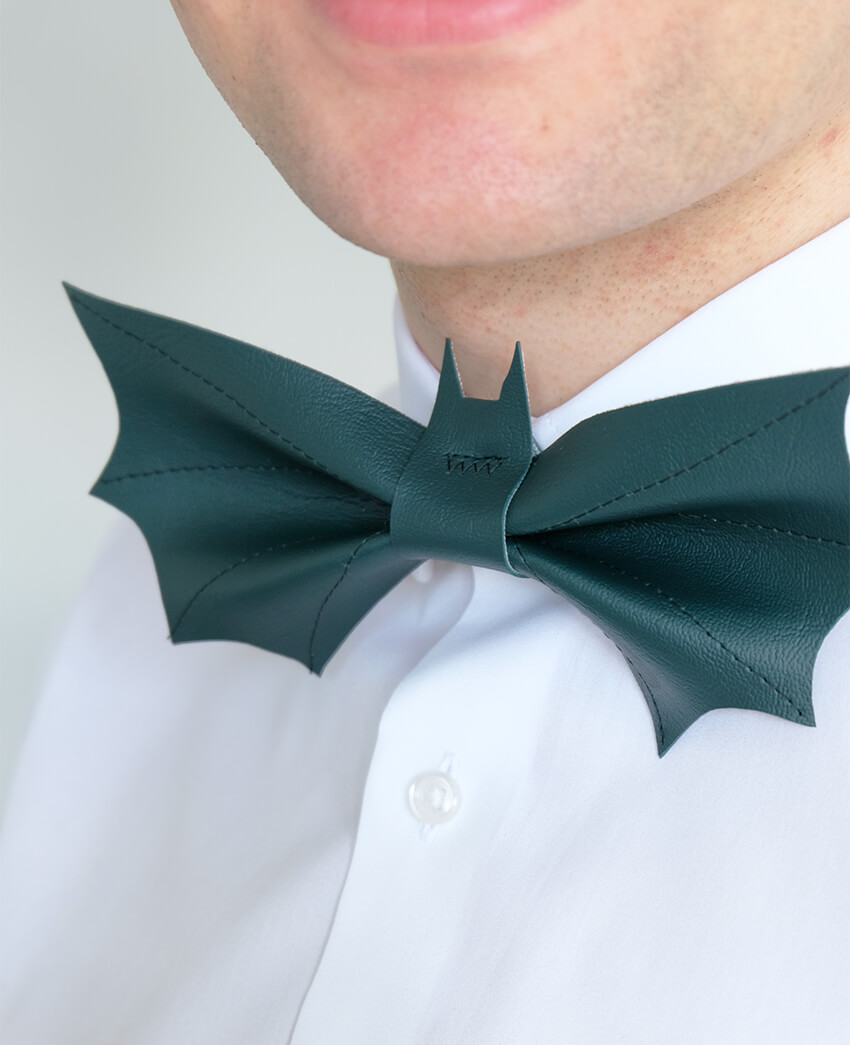 DIY leather Bat Bow Tie | Easy last minute Mens Halloween Costume | Halloween crafts | Click through for more