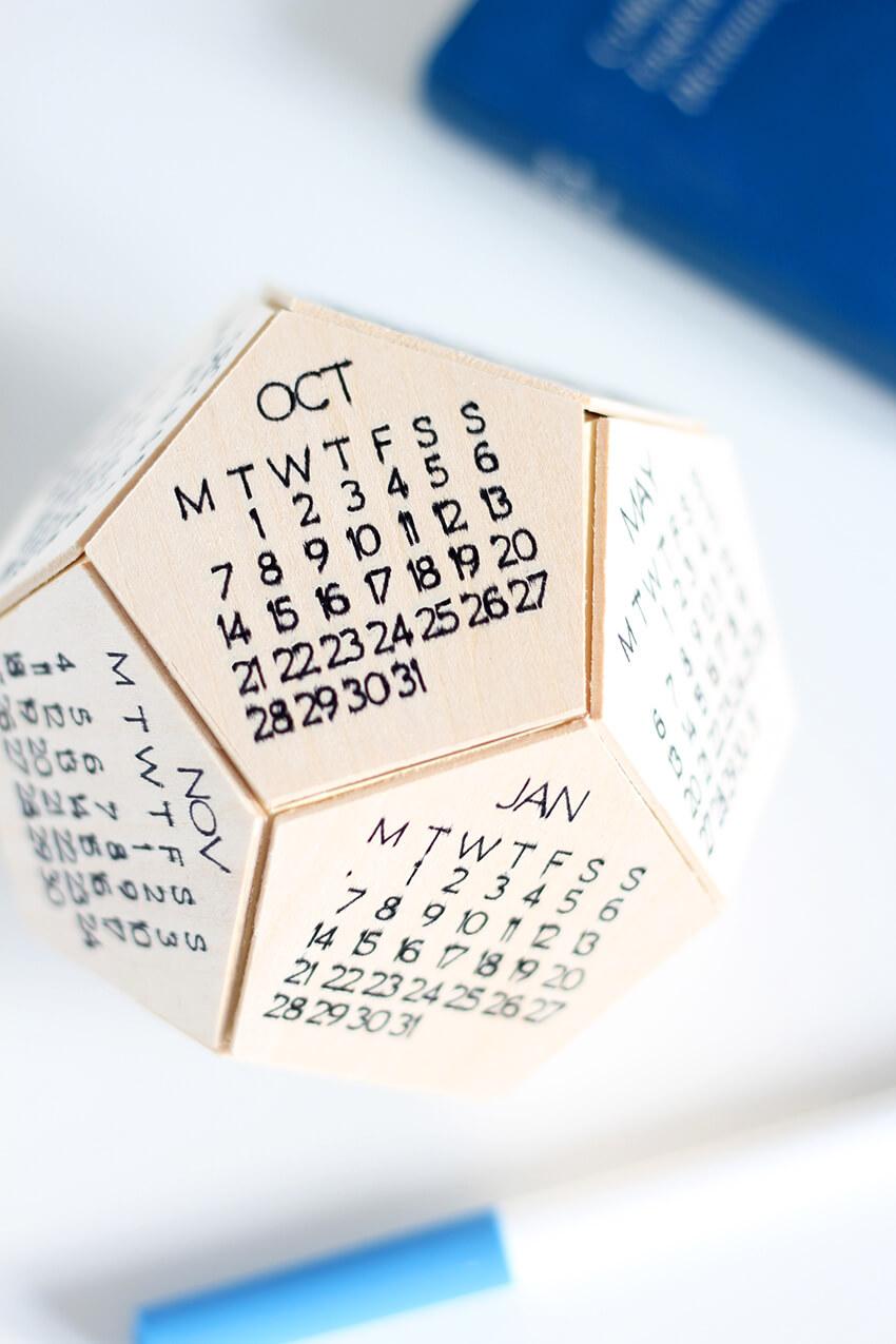 Diy Wooden Desk Calendar With The Cricut Maker The Crafty Gentleman