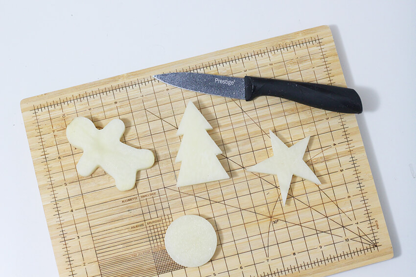 DIY concrete and plaster Christmas decorations   Christmas Crafts   Mayku FormBox