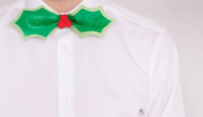Make a DIY Holly Leaf Bow Tie Tutorial - Handmade Christmas Crafts for Men