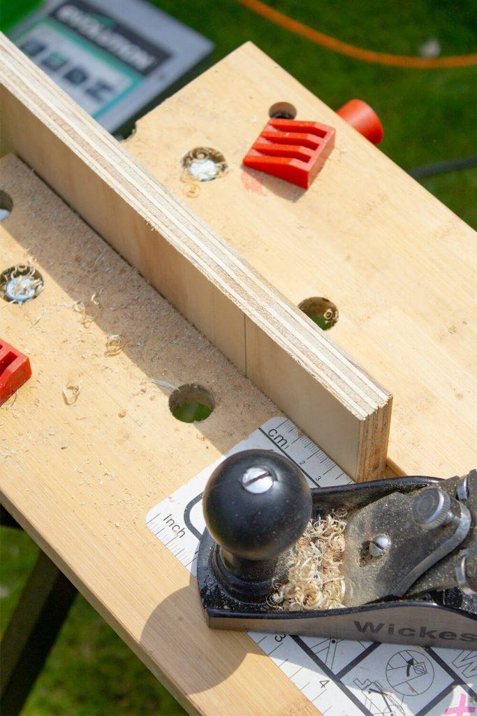 DIY floating shelf mirror tutorial steps - Easy woodwork tutorials